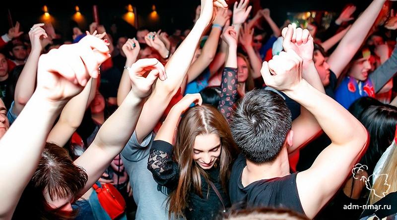 Нахождение несовершеннолетних в ночном клубе клуб космонавтов москвы